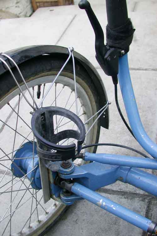 http://www.eland.org.uk/jpegs/s327/july2004/mudguards.jpg